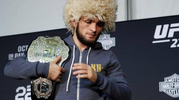 """Khabib: """"Ho avuto convulsioni pre match. UFC complice nell'attacco al bus"""". Apre a Bellator, sfidaMayweather"""