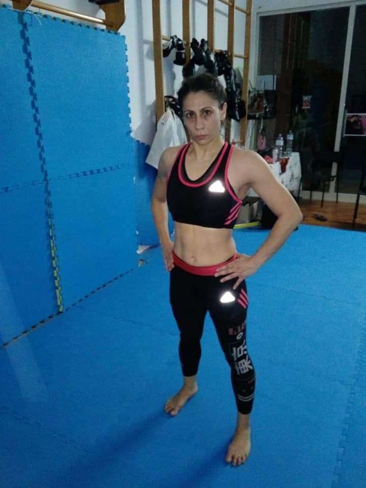 Annalisa La Bella pronta a combattere per  il titolo italiano Shoote BOXE allaRDC